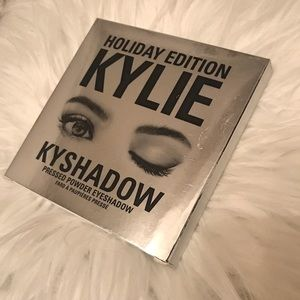 Kylie Jenner Holiday Edition Pressed Kyshadow